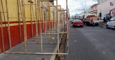 Instalan burladeros de mala calidad en Huamantla