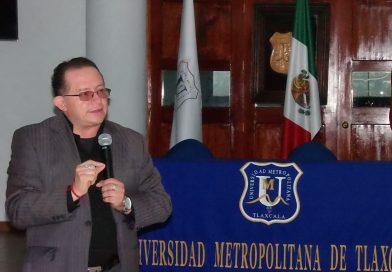 Imparte Cid del Prado conferencia a servidores públicos de la Coeprist