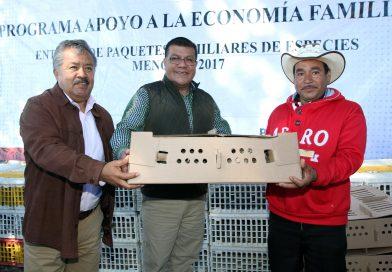 Entrega SEFOA paquetes de codornices a familias tlaxcaltecas