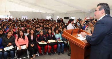 """Casi 4 mil estudiantes obtienen la beca """"Tu Prepa Terminada"""""""