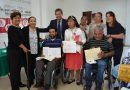 Entregan ITPCD e ITEA certificados de estudios a adultos con discapacidad