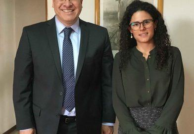 Se reúne Marco Mena con próxima secretaria federal del trabajo