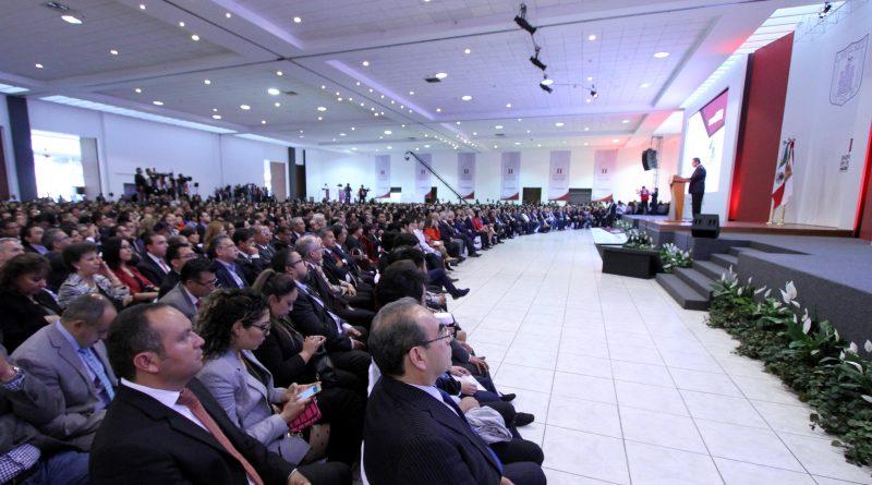 Marco Mena anuncia programa contra la pobreza durante Segundo Informe de Gobierno
