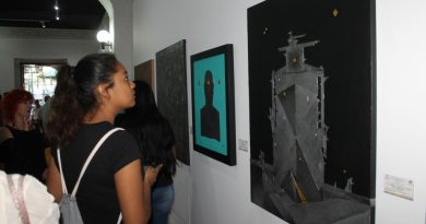 """Presentan exposición """"Black, Silver & Gold"""" en la capital"""
