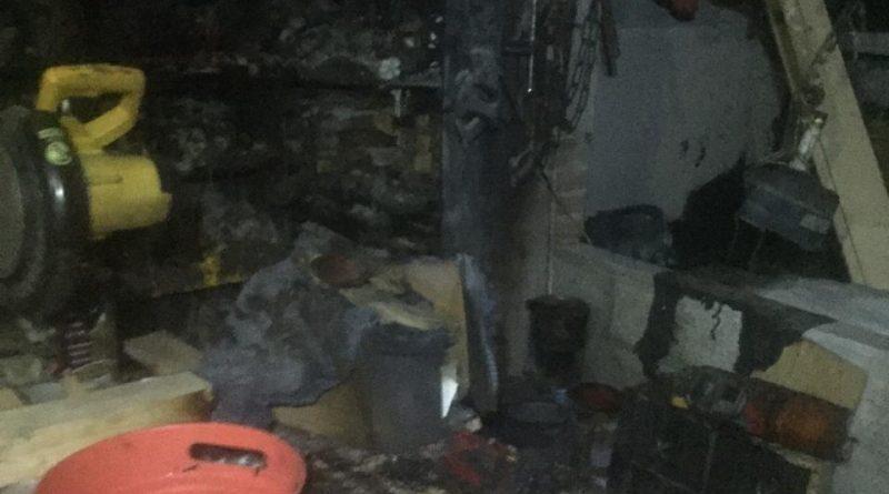 Sofocan incendio «por corto» en la capital
