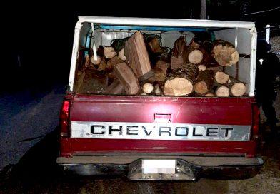 La policía de montaña asegura material forestal en la Malinche