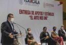 Marco Mena y Alejandra Frausto entregan estímulos económicos a gestores culturales y artistas tlaxcaltecas