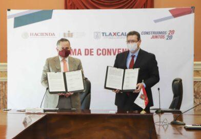 Marco Mena y Santiago Nieto firman convenios para combatir uso de recursos ilícitos