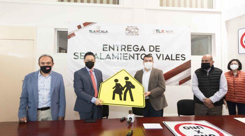 Entrega SECTE 140 señalamientos viales a la SSC y a tres municipios