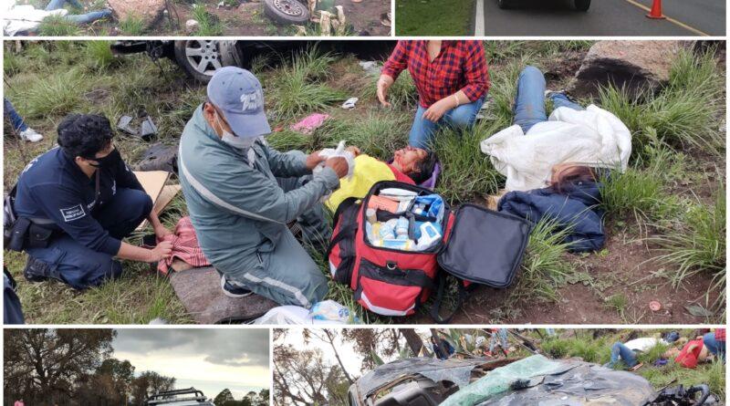 Sobreviven cinco a volcadura en la Tlaxco-Chignahuapan